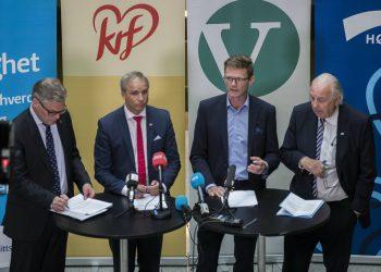 L-R: Finance ministers Hans Andreas Limi (FrP), Hans Olav Syversen (KrF), Terje Breivik (V) and Svein Flåtten (H) present the revised budget. Photo: Berit Roald/NTB scanpix