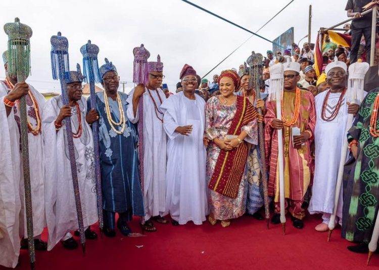 Members of the Olubadan-in-Council, who were newly promoted as obas, with the Governor of Oyo State, Senator Abiola Ajimobi (6th left); and his wife, Florence, during the presentation of their certificates and staff of office by the governor, at Mapo Hall, Ibadan... on Sunday. Photo: Governor's Office