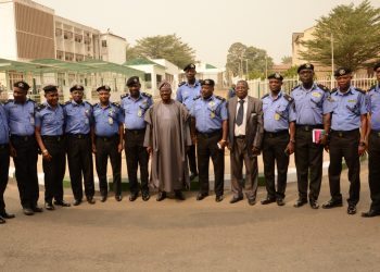 Oyo State Governor, Senator Abiola Ajimobi (7th right); and Commissioner of Police at the State Command, Mr. Abiodun Odude (6th left), and other senior officers and new area commanders from the command during a visit to the the Governor's Office, Ibadan... on Thursday. Photo: Governor's Office