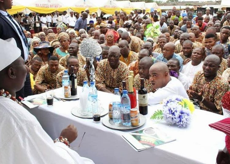 Aare Gani Adams greeting members of OPC at the just concluded Oke'badan festival held at cultural centre mokola Ibadan