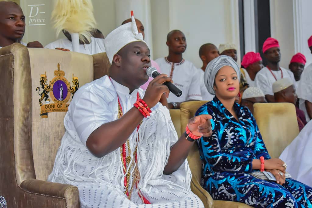 ooni of ife,  Oba Adeyeye Eniitan Ogunwusi Ojaja 11 and his wife