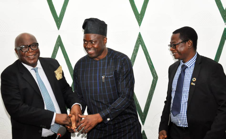 Oyo State Governor, Engr Seyi Makinde (middle), Pro-Chancellor and Chairman Governing Council, The Technical University, Prof Ibidapo Obe (left) and Vice Chancellor of the University, Prof  Ayobami Salami during the University Governing Council visit Governor's Office, Ibadan. PHOTO: Oyo State Government.