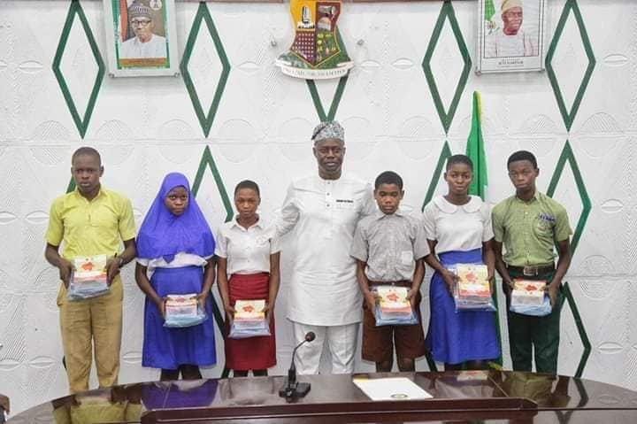 Governor Makinde and Secondary School Students