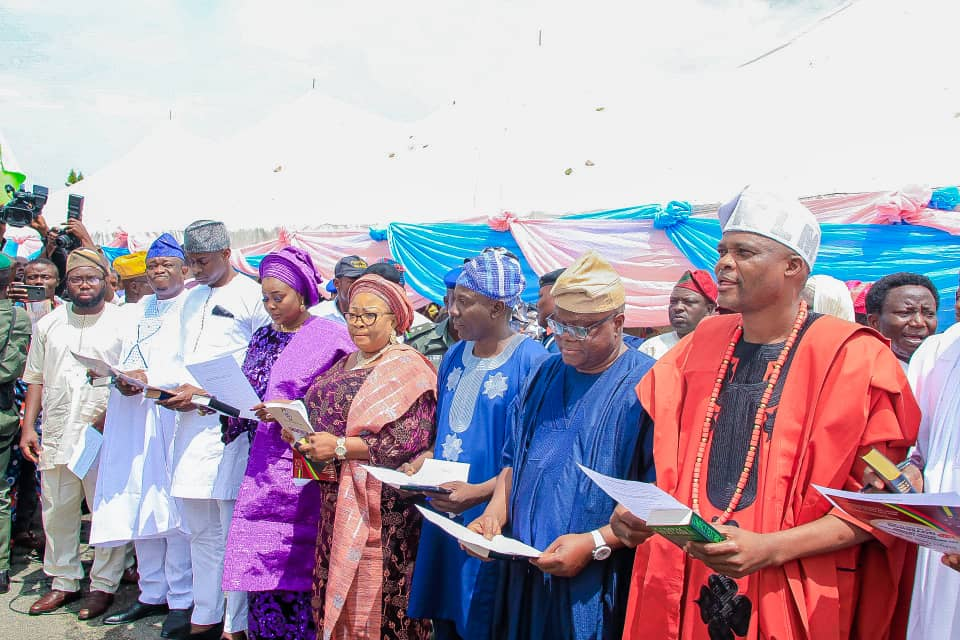 Osun Governor sworn in new aides, Appoints commisioners