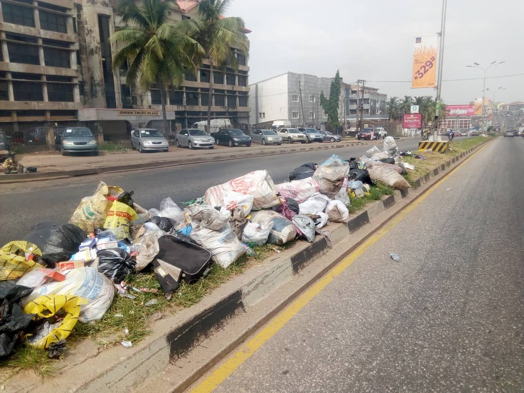 , Engineer Seyi Makinde on Monday declared a State of Emergency on refuse collection and waste management in the state. The Governor, who was speaking at an extraordinary meeting