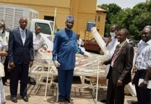 Poultry farmers donates to Oyo Government