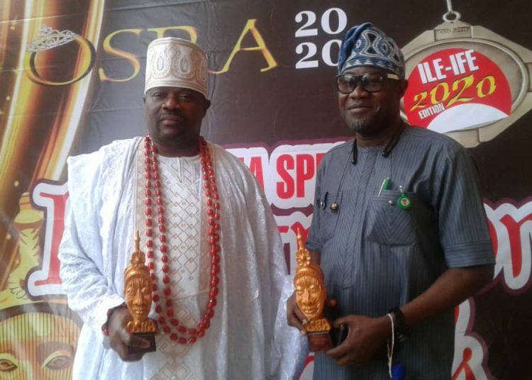 Akinrogun Victor Mobolaji Adewale, with Chief Hon Ademola Ige, Baameto of Aare Ona Kakanfo who was also honoured at the event