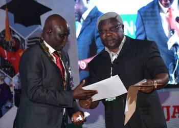 Send Iyiola Omisore receiving NSE Presidential Award
