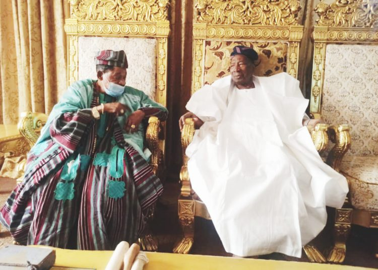 Alaafin's Visit to Soun Is A Development That Will Enhance Unity - Sunday Dare